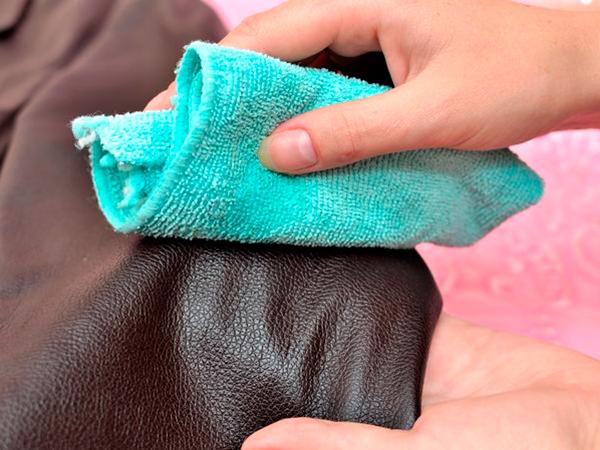 Как почистить кожзам в домашних условиях 340