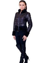 Короткая куртка с отделкой барашка. Фото 1.