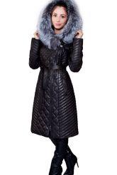 Стеганое кожаное пальто с мехом чернобурки. Фото 3.