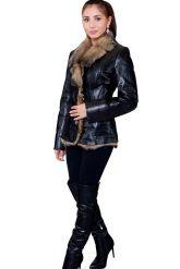 Утепленный кожаный пиджак с мехом. Фото 1.