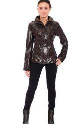 Стильная кожаная куртка коричневого цвета. Фото 1.
