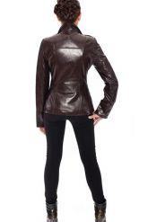 Стильная кожаная куртка коричневого цвета. Фото 2.