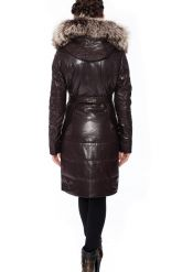 Кожаное пальто коричневого цвета с мехом чернобурки. Фото 3.