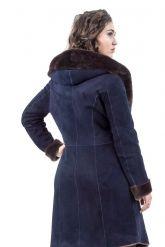 Женская дубленка темно-синего цвета. Фото 2.