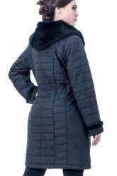 Классическое теплое пальто с отстегивающимся капюшоном из вязанной норки. Фото 2.