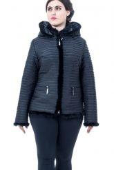 Куртка черного цвета с отстегивающимся капюшоном. Фото 3.