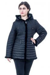 Приталенная куртка черного цвета. Фото 1.