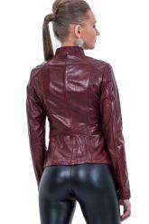 Кожаная куртка со стрейч бордового цвета. Фото 2.
