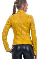 Утягивающая кожаная куртка со стрейч. Фото 2.