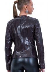 Весенняя кожаная куртка шоколадного цвета. Фото 2.
