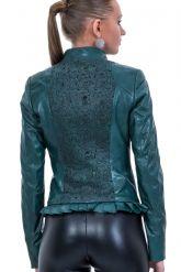 Изящная кожаная куртка с узором на спине. Фото 2.