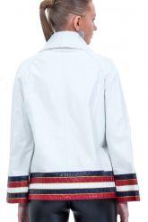 Весенняя кожаная куртка белого цвета. Фото 2.
