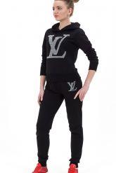 Молодежный спортивный костюм черного цвета с капюшоном. Фото 1.