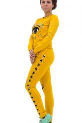 Стильный спортивный костюм ярко желтого цвета. Фото 1.