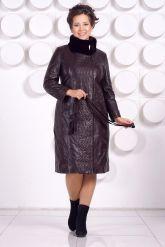Стильное кожаное пальто больших размеров. Фото 1.