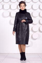 Длинное кожаное пальто с рисунком. Фото 1.