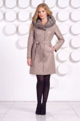 Стеганое кожаное пальто с отделкой вязаной норкой. Фото 1.