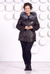 Удлиненная кожаная куртка с мехом чернобурки. Фото 1.