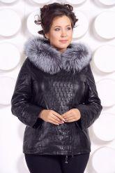 Утепленная кожаная куртка со съемным мехом на капюшоне. Фото 2.