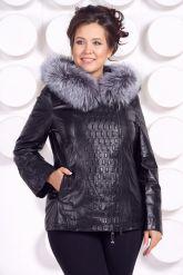 Утепленная кожаная куртка со съемным мехом на капюшоне. Фото 3.