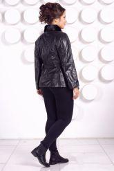 Демисезонная кожаная куртка с воротником из меха норки. Фото 4.