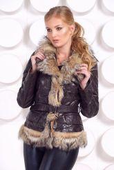 Кожаная куртка с мехом волка коричневого цвета. Фото 3.