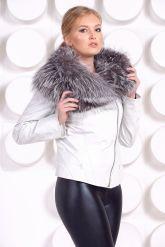 Белая куртка с воротником из чернобурки. Фото 4.
