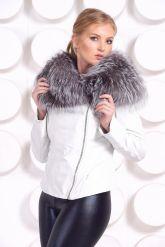 Белая куртка с воротником из чернобурки. Фото 6.