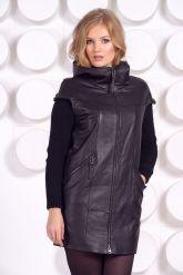 Демисезонное кожаное пальто с капюшоном. Фото 3.