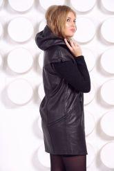 Демисезонное кожаное пальто с капюшоном. Фото 5.