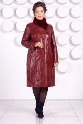 Кожаное пальто больших размеров красного цвета. Фото 2.