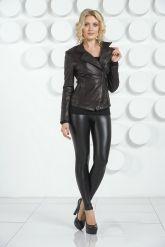 Молодежная кожаная куртка черного цвета. Фото 1.