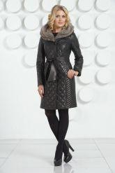 Кожаное стеганое пальто черного цвета. Фото 1.