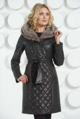 Кожаное стеганое пальто черного цвета. Фото 2.