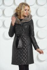 Кожаное стеганое пальто черного цвета. Фото 3.