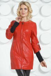 Красный кожаный плащ с коротким рукавом. Фото 3.