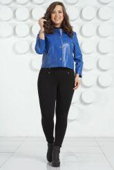 Модная кожаная куртка цвета индиго. Фото 1.