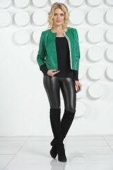 Модная кожаная куртка изумрудного цвета. Фото 1.