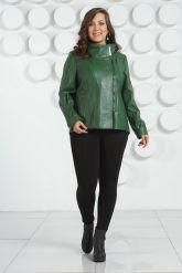 Стильная кожаная куртка зеленого цвета. Фото 1.