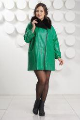 """Кожаный плащ в стиле """"оверсайз"""" зеленого цвета. Фото 1."""