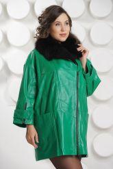 """Кожаный плащ в стиле """"оверсайз"""" зеленого цвета. Фото 2."""