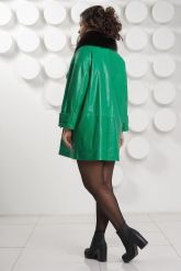 """Кожаный плащ в стиле """"оверсайз"""" зеленого цвета. Фото 4."""
