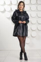 Удлиненная кожаная куртка с капюшоном больших размеров. Фото 1.