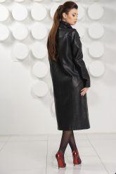 Стильный кожаный плащ черного цвета. Фото 4.