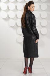 Стильный кожаный плащ черного цвета. Фото 8.