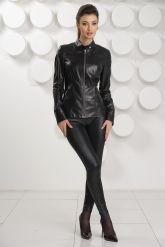 Кожаная куртка черного цвета. Фото 1.