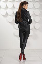Черная кожаная куртка. Фото 4.