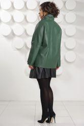 Трапециевидная кожаная куртка зеленого цвета. Фото 4.