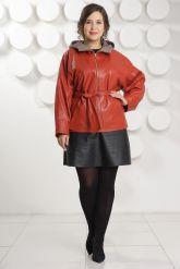 Кожаная куртка с капюшоном большого размера кораллового цвета. Фото 1.