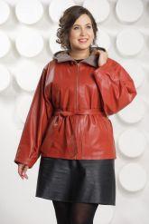 Кожаная куртка с капюшоном большого размера кораллового цвета. Фото 3.